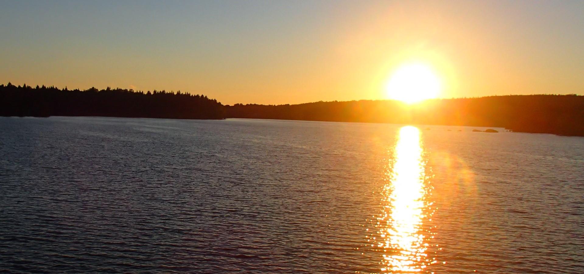 Ondergaande zon in Zweden